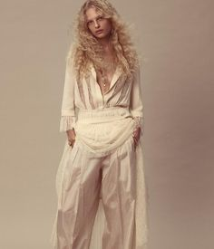 http://fashioncopious.com/article/index.cfm/D5A8CA9D-7958-42C7-8F3E-E3158BC00FAA