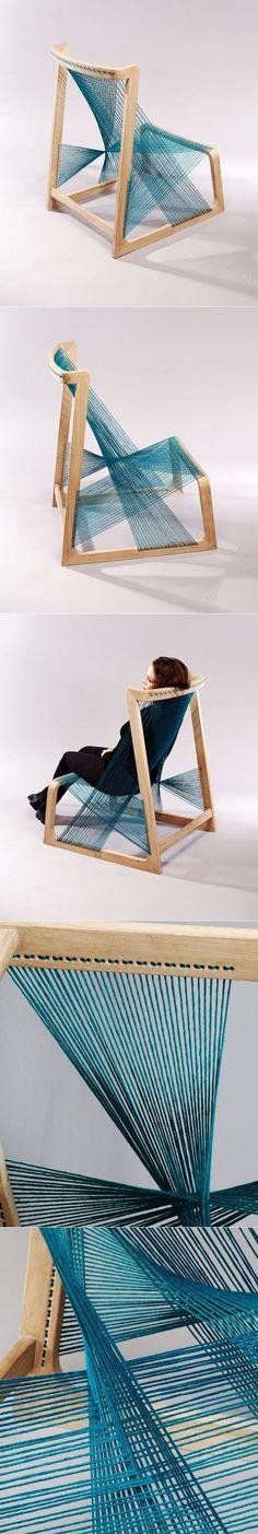 Silk Chair par Alvi Design Prenez du chêne et de la soie et créez une chaise, plus facile à dire qu'à faire, c'est certain! Pourtant le designer suédois, Å