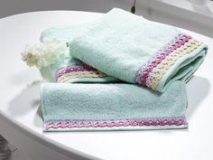 Crochet Potholder Patterns, Crochet Borders, Crochet Towel, Modern Crochet, Crewel Embroidery, Bathroom Towels, Crochet Projects, Pot Holders, Diy And Crafts