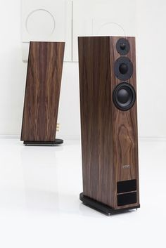 The pinnacle of the legendary twenty series the twenty 26 features the same traits as its siblings - finesse delicacy and musicality - but with an High End Speakers, High End Hifi, Tower Speakers, Music Speakers, Best Speakers, Bookshelf Speakers, High End Audio, Audiophile Speakers, Hifi Audio