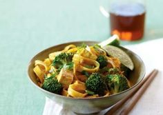 Thai curried noodles with tofu and brocolli
