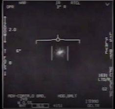 Twee gevechtspiloten zagen het mysterieuze vliegende voorwerp dat ongeziene snelheden haalde.