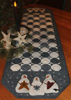 snowman snowball quilted table runner