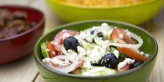 Bij een Griekse maaltijd mag deze choriatiki (Griekse boerensalade) wat mij betreft echt niet ontbreken.