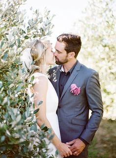 bride & groom -hand placement