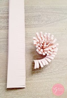 paper flower center roll cuts free svg Paper Crafts - The Ultimate Craft Ideas Paper crafts had been Free Paper Flower Templates, Flower Petal Template, Flower Svg, Paper Flower Tutorial, Flower Crafts, Paper Flower Patterns, Owl Templates, Crown Template, Heart Template