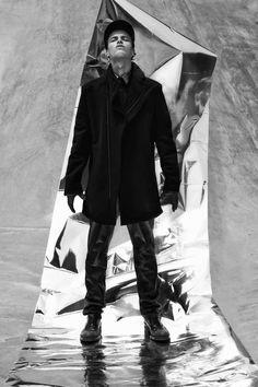 Jasper G Splits into Two for Designare Homme