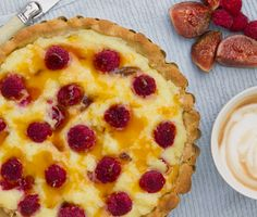 I am not a baker. This I learned back in high school in Home Economics class, when I found moulding my baked goods i Fig Tart, Home Economics, Baked Goods, Raspberry, Pie, Cooking, Desserts, Recipes, Food