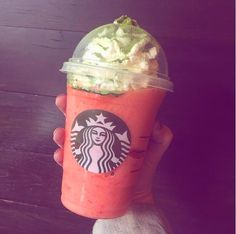 The Narwhal Frappuccino Is The Latest Drink Swimming Through Starbucks…But Is It Better Than These Other Secret Menu Items? Cold Starbucks Drinks, Starbucks Coffee, Coffee Drinks, Iced Coffee, Coffee Shop, Oreo Frappuccino, Starbucks Secret Menu Drinks, Secret Menu Items, Vanilla Bean Powder