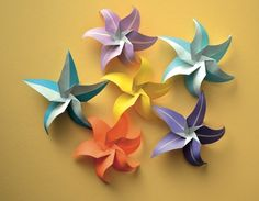 Star Flowers • Free tutorial with pictures on how to make an origami flower in under 20 minutes