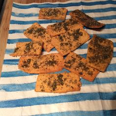 Chickpea crackers » The Blood Sugar Diet by Michael Mosley 32 @ 28 cals