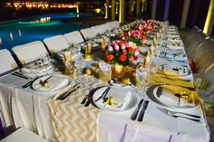 Sit at one big table with your guests for an intimate dinner! #DreamsTulum #Mexico #Destinationwedding