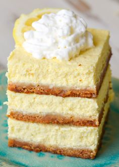 Easy Keto Lemon Cheesecake Bars - It Starts With Good Food Lemon Cheesecake Bars, Chocolate Chip Cheesecake Bars, Keto Chocolate Chips, Low Carb Cheesecake, Cheesecake Recipes, Dessert Recipes, Dessert Ideas, Low Carb Sweets, Low Carb Desserts