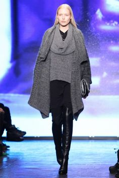 DKNY Fall-Winter 2013-2014 Collection For Women | 2013 Fashion Trends Hip Hop Fashion, Love Fashion, Womens Fashion, Fall Fashion Trends, Autumn Fashion, Fashion Ideas, Donna Karan, Fall Winter, Clothes