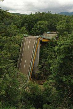 Un pont ne menant nulle part
