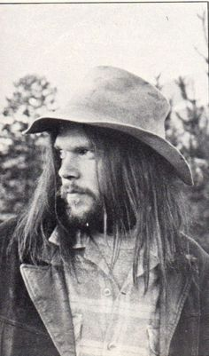 Neil Young Although Neil Young has lived in Northern California on a ranch in La Honda since the he has always retained his Canadian citizenship. He also has homes in Florida and Hawaii. Kinds Of Music, Music Love, Music Is Life, Rock Music, My Music, Amazing Music, Neil Young, Rock Roll, Die Füchsin