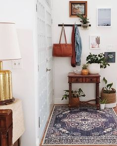 Curtain Styles For Living Room Design - My Romodel Cute Dorm Rooms, Cool Rooms, Living Room Designs, Living Spaces, Deco Studio, Farmhouse Side Table, Small Apartment Decorating, Home Decor Inspiration, Decor Ideas