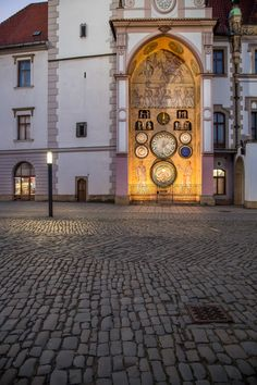 Olomouc, Czech Republic - Clock with communist figures at St. Wenceslas church chimes at Beautiful Park, Beautiful Places, Historical Monuments, Places Of Interest, City Guides, Travel Goals, Eastern Europe, Czech Republic, Dream Vacations