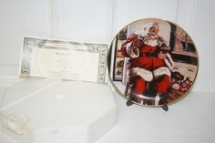 """Coca Cola 1994 Franklin Mint porcelain collectors plate with COA 'Santa Pause' $25 Measures approx: 8""""D. #HC2129 Limited edition With stand and original packaging"""