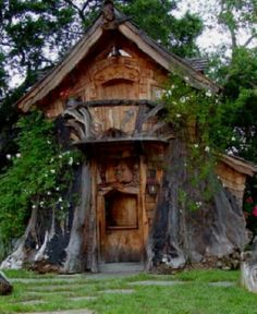 Garden shed? More like an escape to a fairytail story ;-)