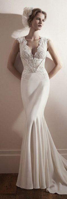 Lihi Hod vintage v-neck wedding dress