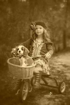 31 ideas for children photography vintage little girls friends Vintage Children Photos, Images Vintage, Vintage Dog, Vintage Pictures, Old Pictures, Vintage Postcards, Children Photography Vintage, Vintage Style, Retro Vintage