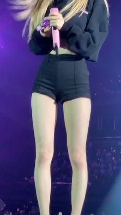 Kpop Outfits, Korean Outfits, Korean Girl, Asian Girl, Japonese Girl, Kim Jisoo, Ideal Body, Skinny Girls, Girl Body