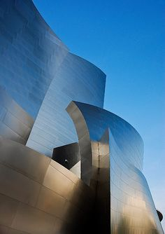 Architecture- I really like this building, I have a modern taste and Frank Gehry is such an inspiring architect. I love the way the light plays with the curvilinear angles of the building - #architecture - ☮k☮