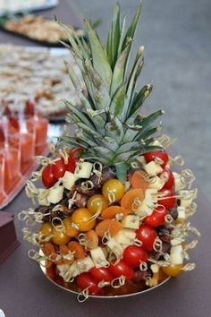 Organize a buffet for 50 people - the aperitif - a matter of taste - Event Design Fingers Food, Appetizer Recipes, Appetizers, Party Buffet, Snacks Für Party, Snacks Pizza, Food Displays, Buffets, Food Presentation