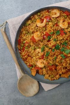 Tasty Dishes, Food Dishes, Paella, Casserole Dishes, Fried Rice, Tapas, Macaroni And Cheese, Curry, Ethnic Recipes