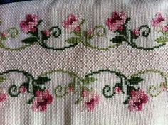 Lovely floral/roses cross stitch embroidered tablecloth in white linen from Sweden Cross Stitch Tree, Just Cross Stitch, Cross Stitch Borders, Cross Stitch Flowers, Cross Stitch Designs, Cross Stitching, Cross Stitch Embroidery, Hand Embroidery, Cross Stitch Patterns