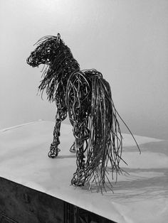 Artist Candice Bees creates elegant animal sculptures from bound wires, capturing graceful movements of both winged and four-legged creatures.