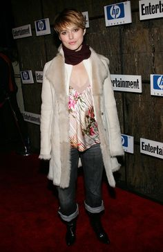And she loved wearing winter wear on the red carpet.   Just A Reminder That Keira Knightley Used To Dress Like This