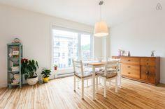 Locations saisonnières et locations en résidence - Airbnb Divider, Room, Inspiration, Furniture, Home Decor, Bedroom, Biblical Inspiration, Decoration Home, Room Decor
