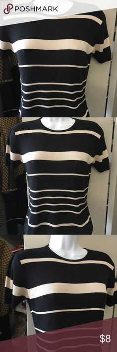 Valerie Stevens pure silk top Nice Top in good condition. Size small Valerie Stevens Tops