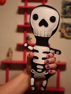 Skeleton plush found in Danielleorama's flickr stream.  Love it!!
