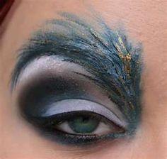 Feathered eyebrows makeup