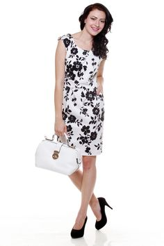 What's a woman without a bit of charm. Bring out your Lady Like elegance in this floral shift dress. Minimilistic jewelry and a dazzling smile is all you need to go with this one.