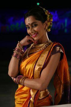 Maharashtrian Nauvari  Beautiful Maharashtrian Lady