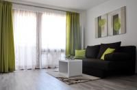 10 Tips for Vienna Apartment Tourists – How To Get Great Apartments Vienna Apartment, Holiday Apartments, Traditional, Building, Room, Stylish, City, Home Decor, Homemade Home Decor