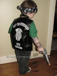Coolest Kids Sons of Anarchy Halloween Costume// Walters Walters Ross Halloween 2018, Holidays Halloween, Halloween Kids, Halloween Costumes, Sons Of Anarchy, Mother Son Costumes, Baby Costumes, Olaf Costume, Homemade Costumes