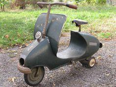 Tres Rare Jouet Ancien Voiture A Pedale Scooter A Pedale Tole Marque Peugeot | eBay