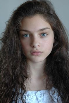 Okay, i think I've possibly found a candidate for Shiloh's character model. Yes, I'm rather surprised myself! (Odeya Rush)
