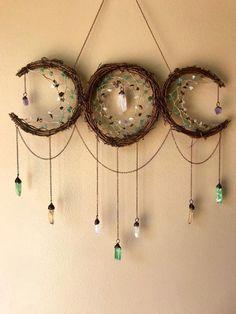 23 Clever DIY Christmas Decoration Ideas By Crafty Panda Moon Dreamcatcher, Dreamcatchers, Feminine Symbols, Dream Catcher Craft, Moon Decor, Arts And Crafts, Diy Crafts, Handmade Crafts, Triple Moon