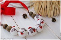 """Купить Валяные бусы """"Рябина на снегу"""". Красный, белый. - гроздь рябины, дары осени"""