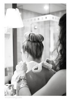 bridesmaid, top bun, bow, beauty, hair, wedding day, getting ready, Foundation For The Carolinas, Charlotte NC Wedding Photographer, Kristin Vining Photography