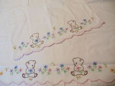 Vintage Hand Embroidered Teddy Bear Childs Crib Bed Sheet Set