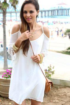 Melanee Shale Fashion Blogger Manhattan Beach Fringe White Dress Summer Look Ankle Strap Heels Brown Clutch Summer Trends Los Angeles Style -0989