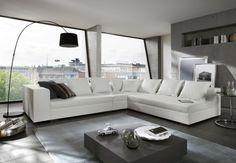 Ecksofa Amare – Wohnzimmer-Wohnlandschaft  –  designed by Ricardo Paolo®  Die Couch ist ein sehr exquisites und hochwertiges Exemplar, welches sich sicherlich toll in einem modernen Haushalt integrieren wird. Das Design ist einfach und elegant gehalten. Nicht nur dank der hellen Farbe, sondern vor allem durch die große Liegefläche ist die Couch ein absolutes Highlight, das den ganzen Raum hell und freundlich erscheinen lässt.    ca. 325 x 275 x 60 cm