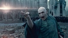 Warner Bros have approved a fan-created origin film for Harry Potter villain Voldemort. Tryangle Films had been trying to raise money on Kickstarter to fund their project, called Voldemort: Origins. Harry Potter Musical, Harry Potter Quiz, Harry Potter Villains, Estilo Harry Potter, Mundo Harry Potter, Harry Potter Characters, Ginny Weasley, Harry Et Hermione, Lord Voldemort